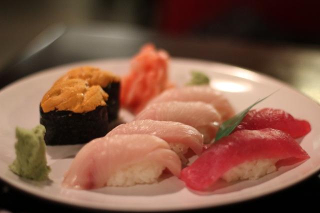 uni hamachi maguro sushi
