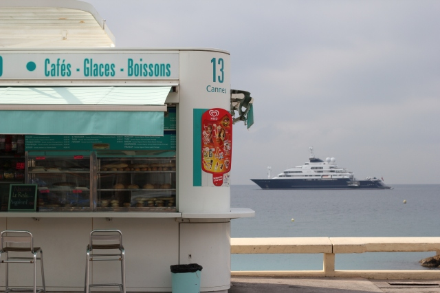 cannes ice cream stand yacht