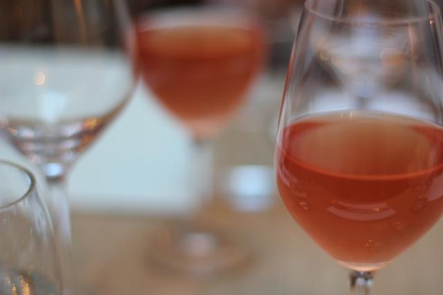 saturne restaurant paris rose wine