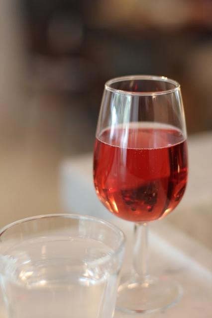 le dauphin restaurant paris rose wine