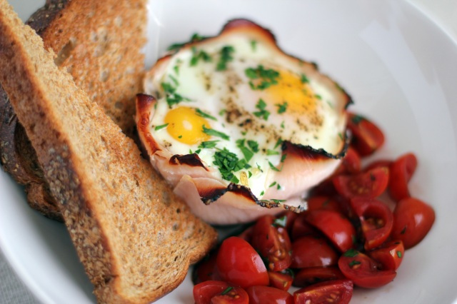 baked eggs toast tomatoes
