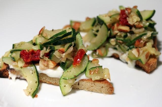 zucchini crostini sun-dried tomato almonds