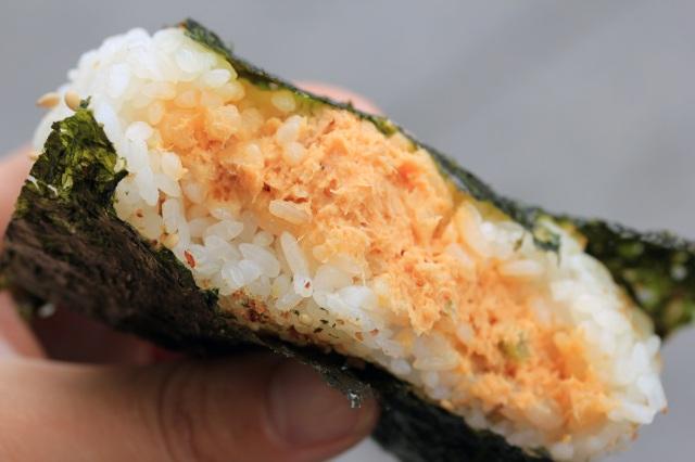 sunny blue kara tuna omusubi (aka onigiri) santa monica