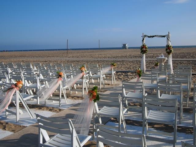 brooke & jon's beach wedding
