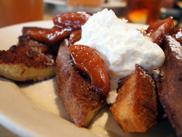 apple cinnamon french toast m street kitchen