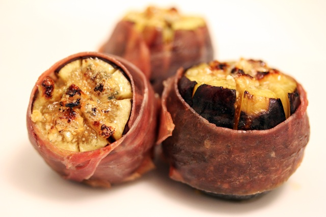 prosciutto wrapped figs stuffed with blue cheese