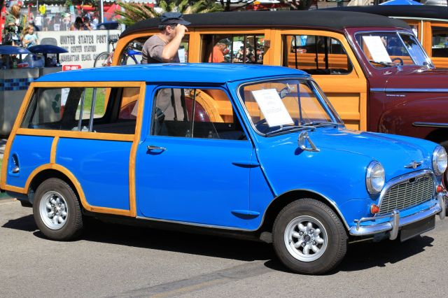 blue vintage mini woody