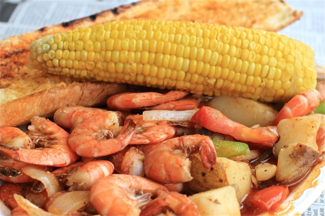 1/2 order shrimp and veggies corn garlic bread quality seafood redondo beach