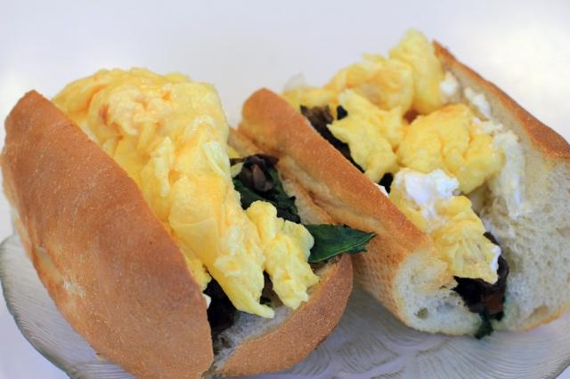 breakfast baguette sandwich la parisienne bakery morro bay