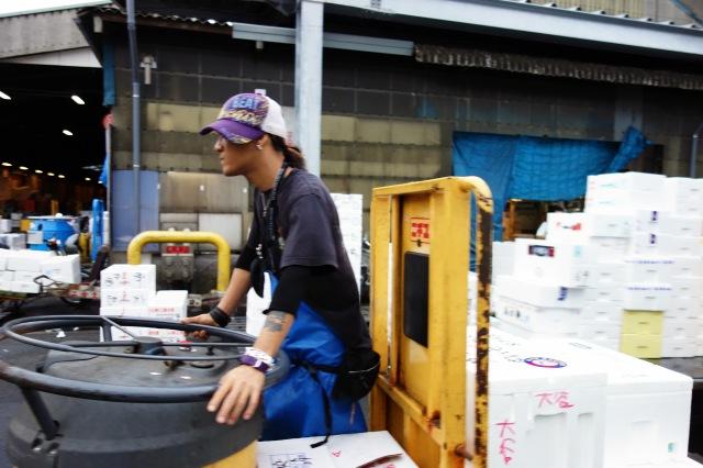 transporter tsukiji fish market tokyo